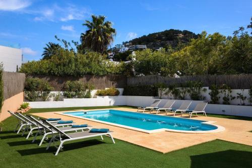 The swimming pool at or near Can Pep Toni