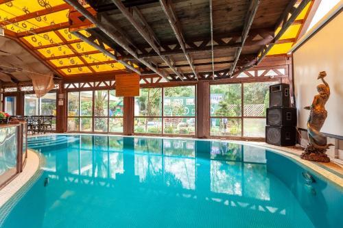 Дубай гостиница в адлере коммерческую купить недвижимость сша
