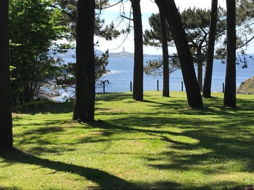 Jardín al aire libre en Apartamentos Canabal