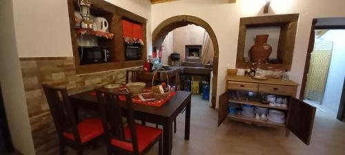Um restaurante ou outro lugar para comer em Casa da Bisa - Santa Maria - Açores