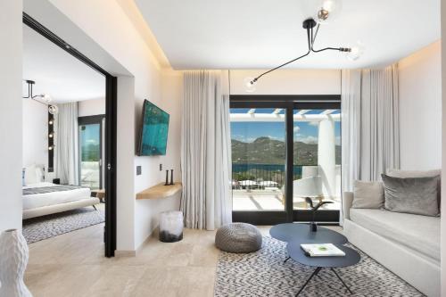 A seating area at thelocal Hotels Porto Rotondo