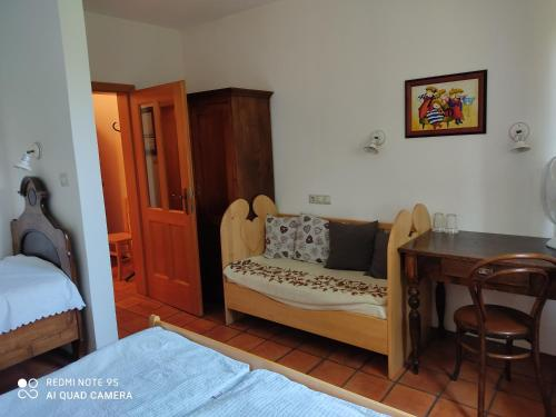 A seating area at Bed & Breakfast Na Poljani