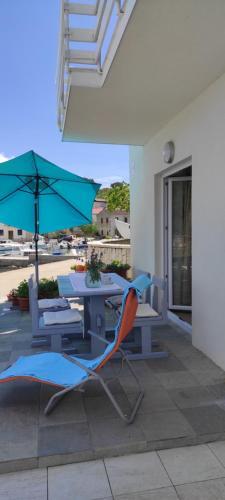 Azure Bay Apartments oasis 1