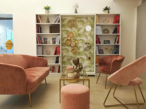 Ein Sitzbereich in der Unterkunft Il Tesoro Smart Suite & SPA