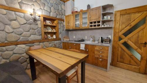A kitchen or kitchenette at Guest House Hayloft