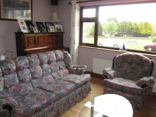 A seating area at Bru Na Pairc B&B