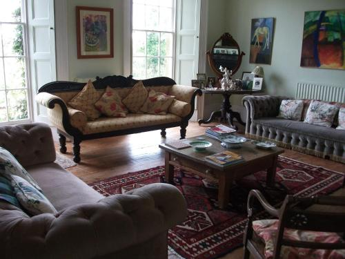 A seating area at Beachborough Country House