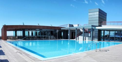 The swimming pool at or close to Four Views Monumental Lido