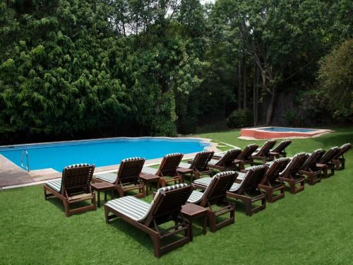 The swimming pool at or near Hotel Racquet Cuernavaca