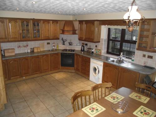 A kitchen or kitchenette at Pine View Self Catering Holiday Home