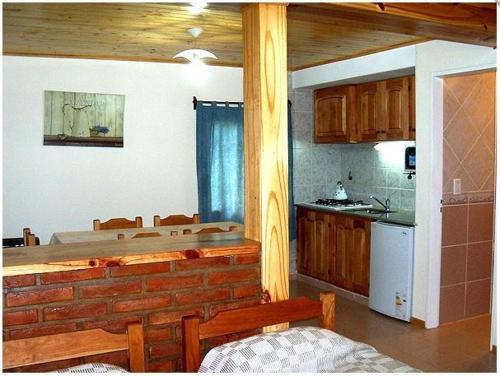 Una cocina o kitchenette en Complejo Los Arrayanes