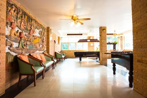 Biliár nebo kulečník v ubytování Sathorn Saint View Serviced Apartment
