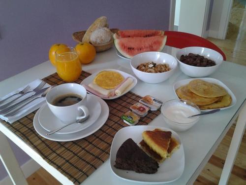 Opciones de desayuno disponibles en Sincerely Lisboa