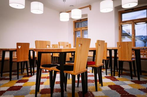 A restaurant or other place to eat at Design Rooms Pr' Gavedarjo