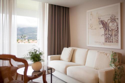 Een zitgedeelte bij Hotel Croatia
