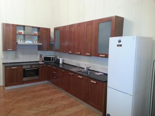 A kitchen or kitchenette at Ho-Bi Room and Apartment