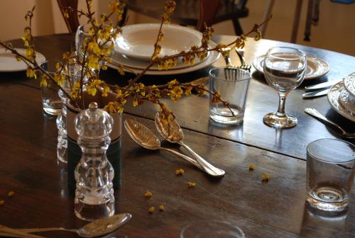 A restaurant or other place to eat at Duleep Singh Barn