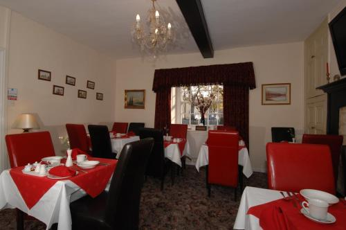 A restaurant or other place to eat at Corncroft Guest House