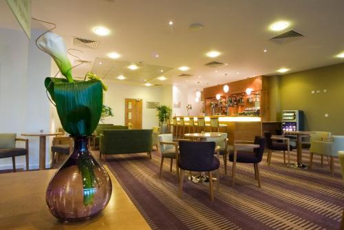 The lobby or reception area at Ramada Plaza Wrexham
