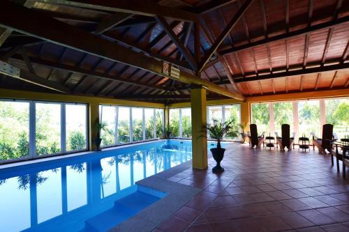 A piscina em ou perto de Casa da Lage