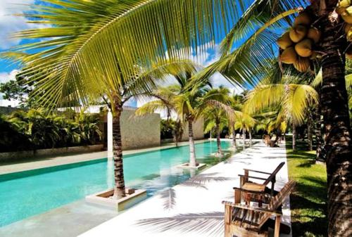 The swimming pool at or near Beautiful Townhouse Tulum