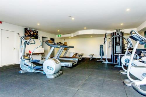 The fitness center and/or fitness facilities at Alpha Hotel Canberra