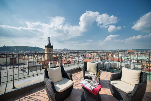 Een balkon of terras bij Hotel Suite Home Prague