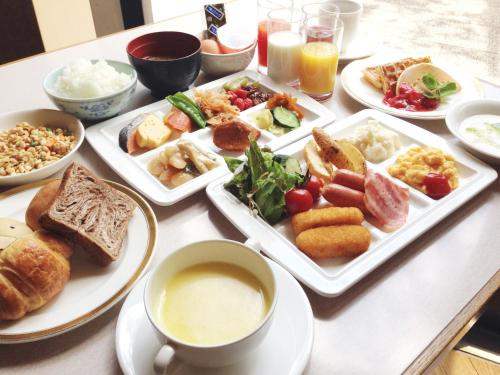 Breakfast options available to guests at Hotel Crescent Asahikawa