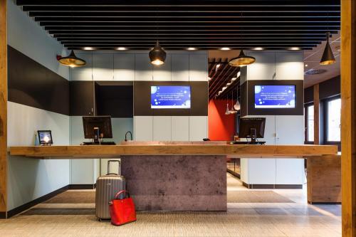 Телевизор и/или развлекательный центр в ibis Stuttgart Centrum