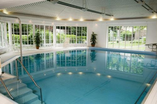 Der Swimmingpool an oder in der Nähe von Hotel Diana Garni