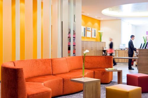 Lobby/Rezeption in der Unterkunft Mercure Hotel Stuttgart Airport Messe