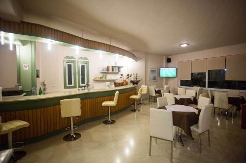 Ресторан / где поесть в Remvi Hotel - Apartments