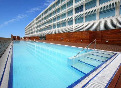 The swimming pool at or near Hotel Hiberus