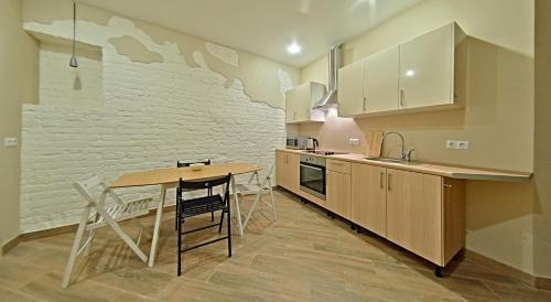 Кухня или мини-кухня в Лофт на Садовой