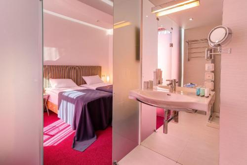 Ванная комната в Бутик Отель Адриано