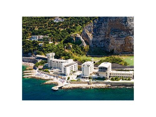 A bird's-eye view of Towers Hotel Stabiae Sorrento Coast