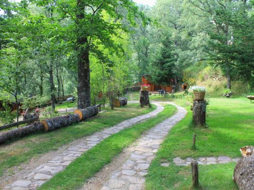 Jardín al aire libre en Cabañas de Madera Sanabria