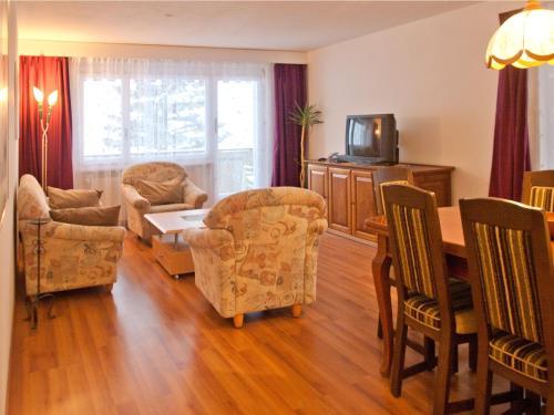 Ein Sitzbereich in der Unterkunft Im Grünen 220 - 4-Zimmerwohnung