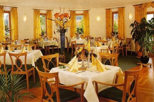 Ein Restaurant oder anderes Speiselokal in der Unterkunft Gasthof An der Söring