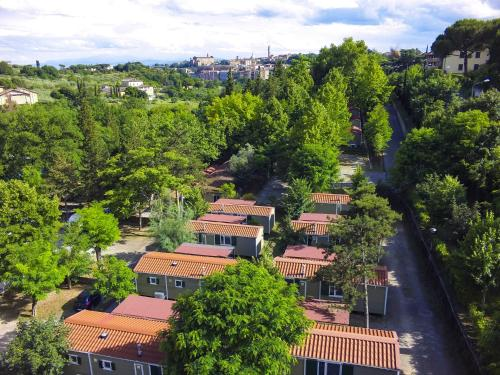 A bird's-eye view of Camping Siena Colleverde