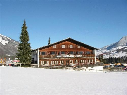 Hotel Restaurant Rustica during the winter
