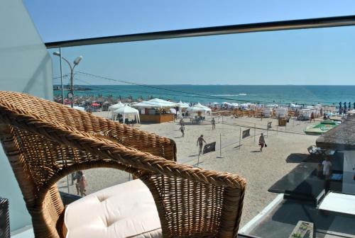 Un balcon sau o terasă la Vila Ryanna Beach