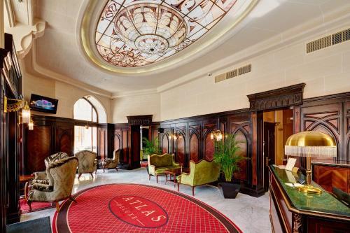 Hotel Atlas Deluxe tesisinde lobi veya resepsiyon alanı
