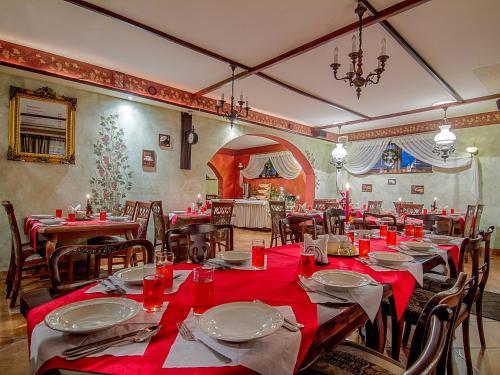 Restauracja lub miejsce do jedzenia w obiekcie Willa Regina