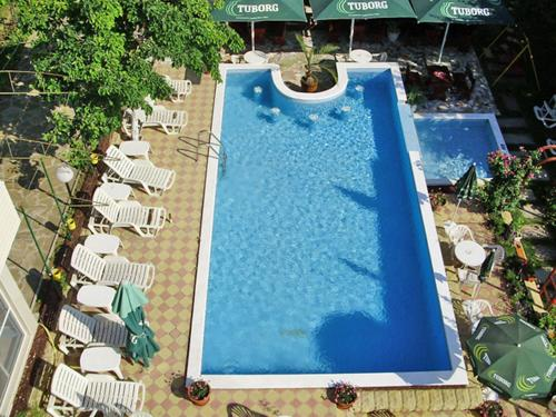 A view of the pool at Hotel Rai or nearby