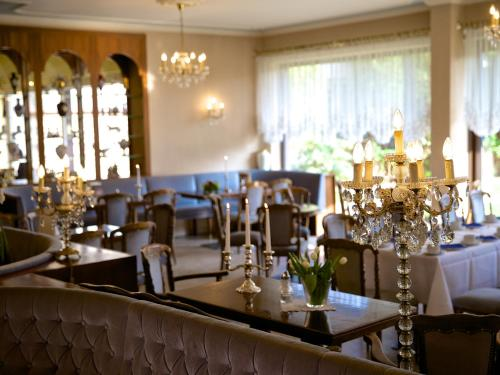A restaurant or other place to eat at Hotel Geisler