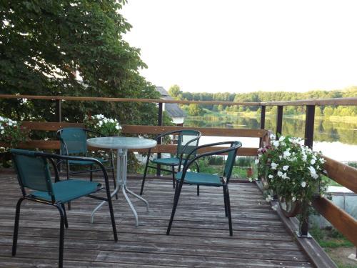 A balcony or terrace at Spēlmaņu krogs