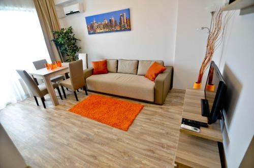 O zonă de relaxare la Summerland New York Exclusive Apartment - Mamaia