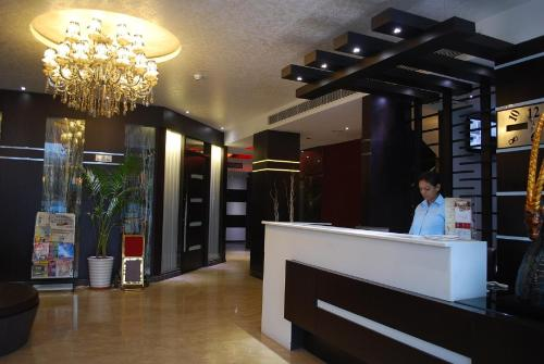 The lobby or reception area at Hotel Oyster