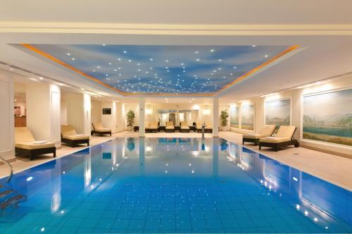 The swimming pool at or near Maritim Hotel Dresden